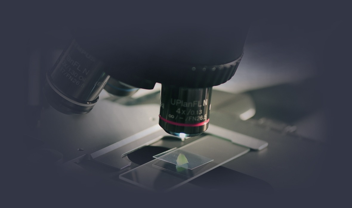 Labor mit Mikroskop